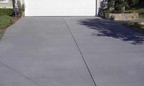 Fairfax colored concrete driveway